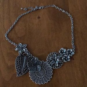 Premier Designs silver floral choker